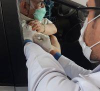 آغاز طرح واکسیناسیون سیار و خودرویی سالمندان در مشهد